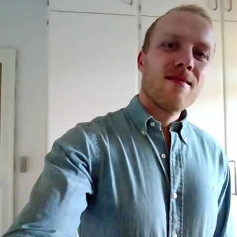 Hvis du leder efter en charmerende yngre fyr, så har du ham her(sy's da jeg er charmerende, men det kan da altid komme an på en p ... Jum19 is a single man from Nordjylland, Aalborg. Find love - view dating profile at VIPdaters.com
