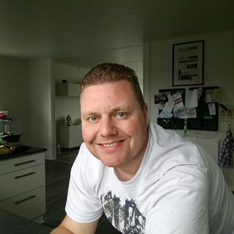 Hej, jeg kommer fra Horsens. Jeg har ikke skrevet nogen profiltekst endnu, måske jeg skriver noget mere senere. Du er velkommen ti ... TheShyGuy is a single man from Midtjylland, Horsens. Find love - view dating profile at VIPdaters.com