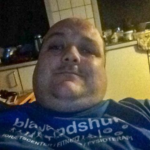 Hej de smukke damer jeg hedder Carsten jeg  er 43 år bor i Oksbøl nær Varde  og jeg søger en kæreste til gå ture og fisketuren og  ... Bamsefar is a single man from Syddanmark, Oksbøl. Find love - view dating profile at VIPdaters.com