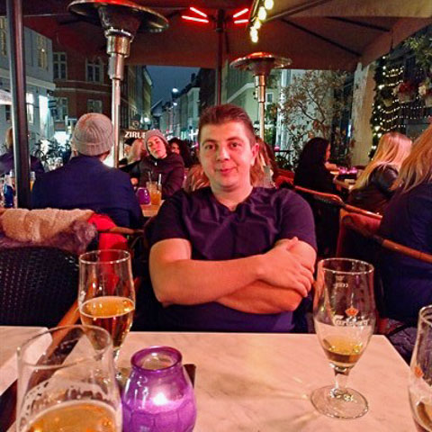 I'm young,embicies man,who wants to date with women(doesn't matter years).