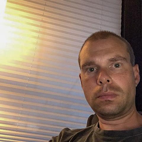 Hej jeg er en sød fyr fra Taastrup jeg søger en sød kæreste eller ven til at gå i biografen med eller i byen med jeg har job og ik ... Niels78 is a single man from Hovedstaden, Taastrup. Find love - view dating profile at VIPdaters.com