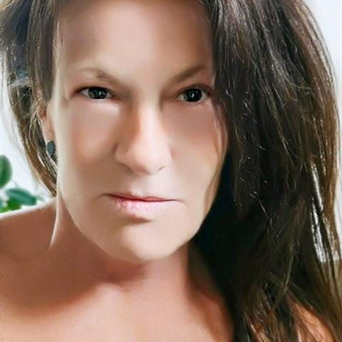 Hey!   Jeg er en langhåret brunette, ungdommelig af udseende. Jeg er slank, har brune øjne.   Mere profil tekst følger. ... Spir is a single woman from Hovedstaden, Ishøj. Find love - view dating profile at VIPdaters.com