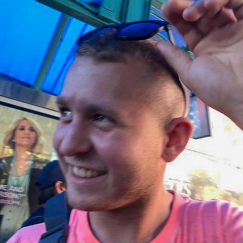 Hej Mit navn er Lucas, er 20 år gammel. Arbejder til dagligt som mekanikker i nexø Køre folkerace ... Lucasholmgaard is a single man from Hovedstaden, Rønne. Find love - view dating profile at VIPdaters.com