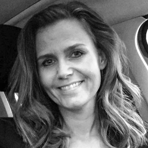 Positiv, frisk og imødekommende. Mor med stort M, elsker god mad, godt selskab og gang i den. Sætter stor pris på rejseoplevelser. ... LL is a single woman from Sjælland, Solrød Strand. Find love - view dating profile at VIPdaters.com