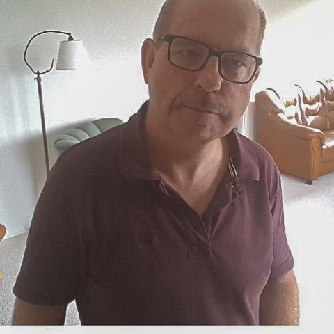 Hejsa  Søger du den perfekte, så er det ikke mig du søger. Jeg er god, rar og  s/ærlig, og måske kærlig.    Kh kim ... DigGadJegGodt is a single man from Nordjylland, Sæby. Find love - view dating profile at VIPdaters.com