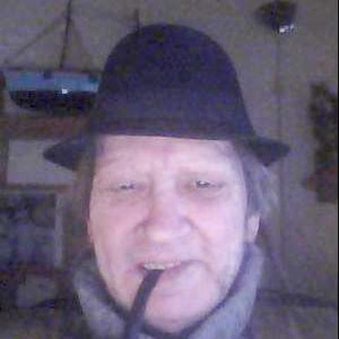 Hej jeg er en pensioneret sømand, som går og keder sig engang imellem. Jeg vil lige sige at det første gang jeg prøver det her, me ... chat med Preben, en mand fra Nordjylland, Frederikshavn. Stor guide til Chat og Dating - se de seneste medlemmer på Chat-Online.dk