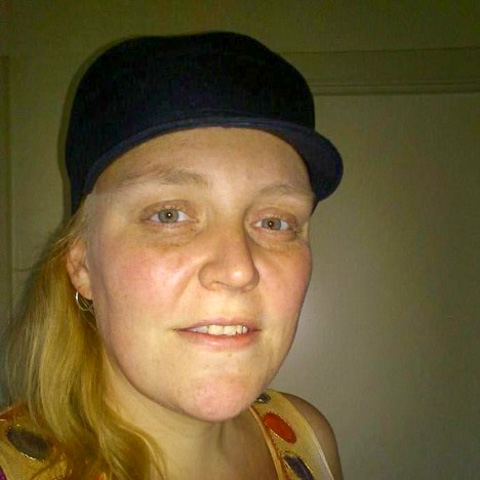 jeg er en kælling på 35 år jeg har sclerose i en svær grad jeg er tidligere ekstrem fed knap så meget nu men det har sat sine sp ... kontaktannonce fra Lonnie, single kvinde fra Sjælland, Nykøbing Sj. Stort overblik over danske kontaktannoncer - Kontakt-Online.dk
