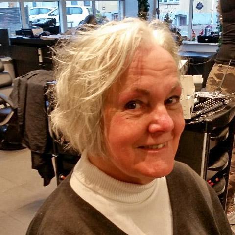 Jeg er en kvinde på 74 år jeg søger en ven som ikke ryger da jeg ikke tåler det . ... netdating - Marianne, er en kvinde fra Sjælland, Fårevejle. Se billeder og søg blandt de seneste netdating profiler på DatingNet.dk