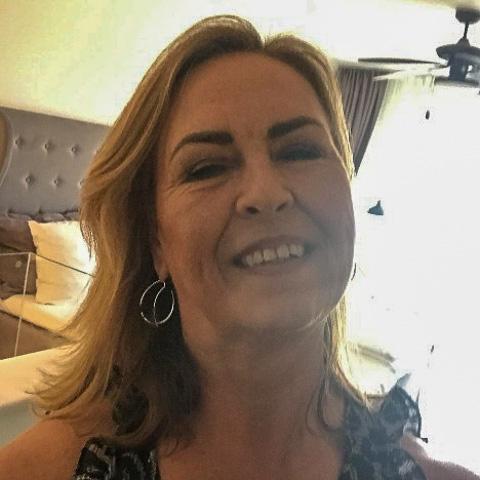 Altid glad og positiv, ser muligheder frem for begrænsninger. Fyldt med taknemmelighed over, hvor dejligt livet er, specielt på en ... netdating - Lene, er en kvinde fra Sjælland, Tune. Se billeder og søg blandt de seneste netdating profiler på DatingNet.dk
