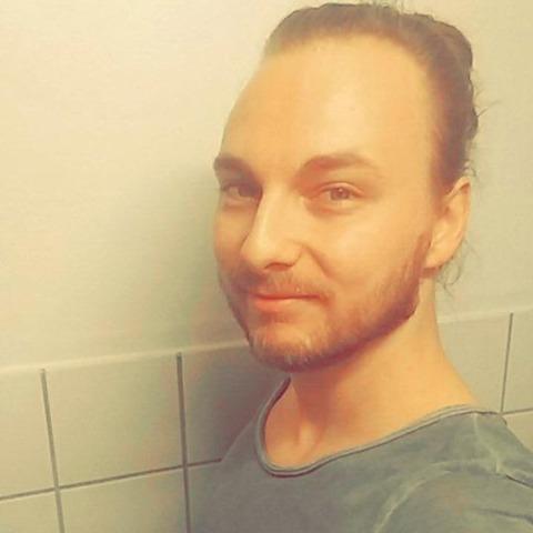 Hej! Mit navn er Kevin og til dagligt studerer jeg til Automations-teknolog på Nørrebro, hvor jeg lærer at programmere robotter mm ... chat med Mawn, en mand fra Hovedstaden, København S. Stor guide til Chat og Dating - se de seneste medlemmer på Chat-Online.dk